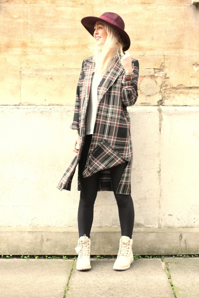 tartan_boyfriend_jacket_white_Cream_timberland_boots_asos_catarzi_fedora_tartan