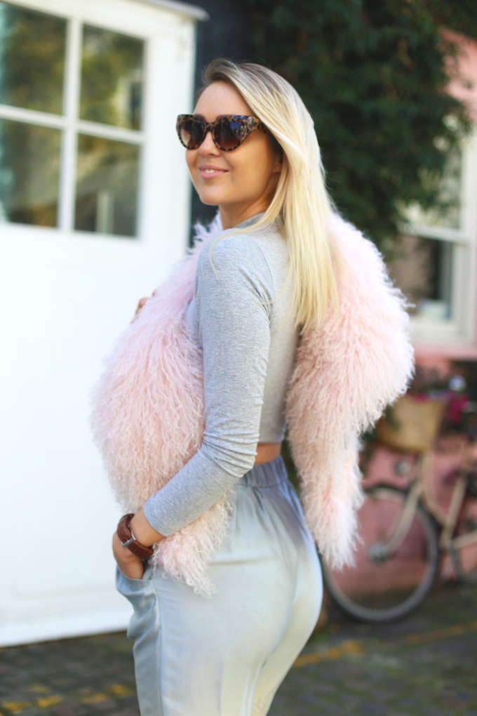 daisy_keens_pie_and_fash_blog_topshop_ombre_silk_trousers_mongolian_fur_pink_collar_ghillie_heels_lace_up_suede