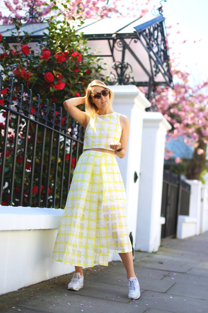 asos_white_yellow_white_organza_two_piece_skirt_crop_top_nike_air_max_daisy_keens_pie_and_fash_blog