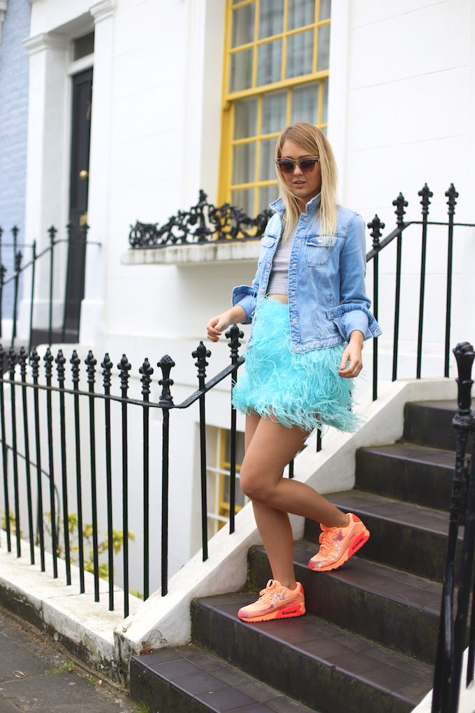 topshop_blue_feather_skirt_zara_denim_jacket_nike_air_max_orange_trainers_quay_sunglasses