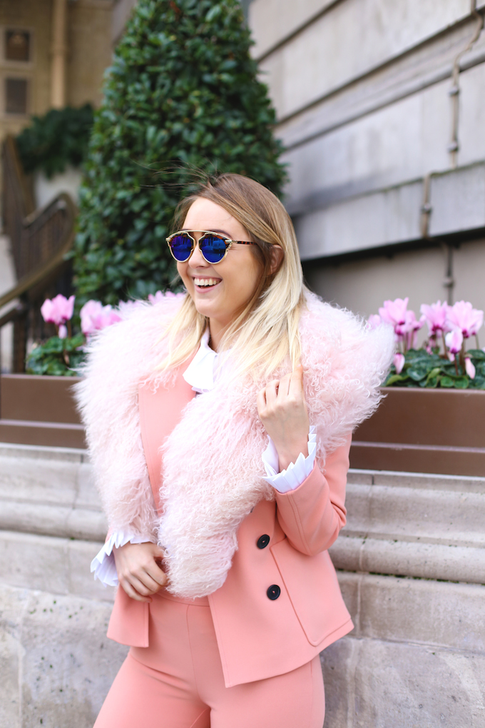 topshop_crop_flare_pink_suit_trouser_blazer_jacket_mongolian_fur_collar_zara_flatform_trainers_pie_and_fash_blog