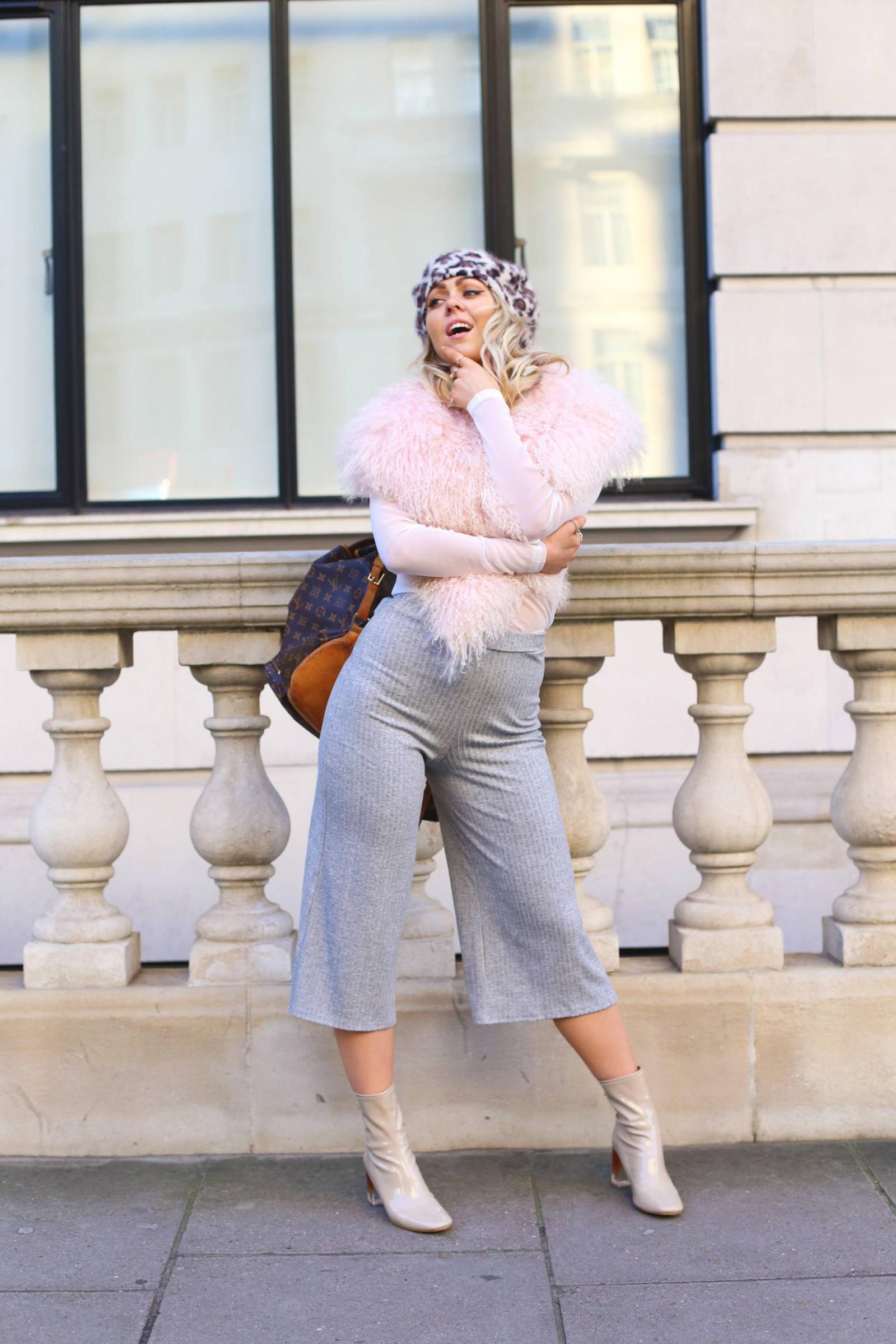 topshop_mongolian_pink_collar_vintage_louis_vuitton_backpack_leopard_beret